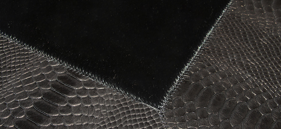 BLACK COBRA Rug Koket Love Happens