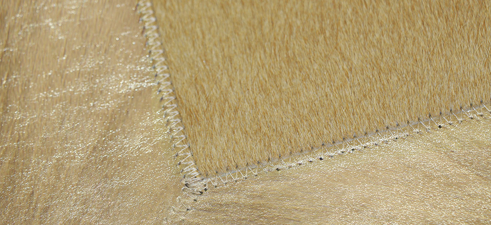 Rug COWHIDE WITH METALLIC GOLD By Koket
